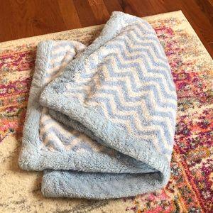 Koala baby blue & white super warm chevron blanket